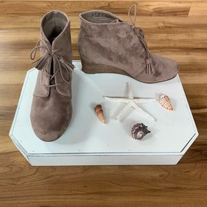 Dr. Scholl's Pierre Memory Foam Wedge Booties